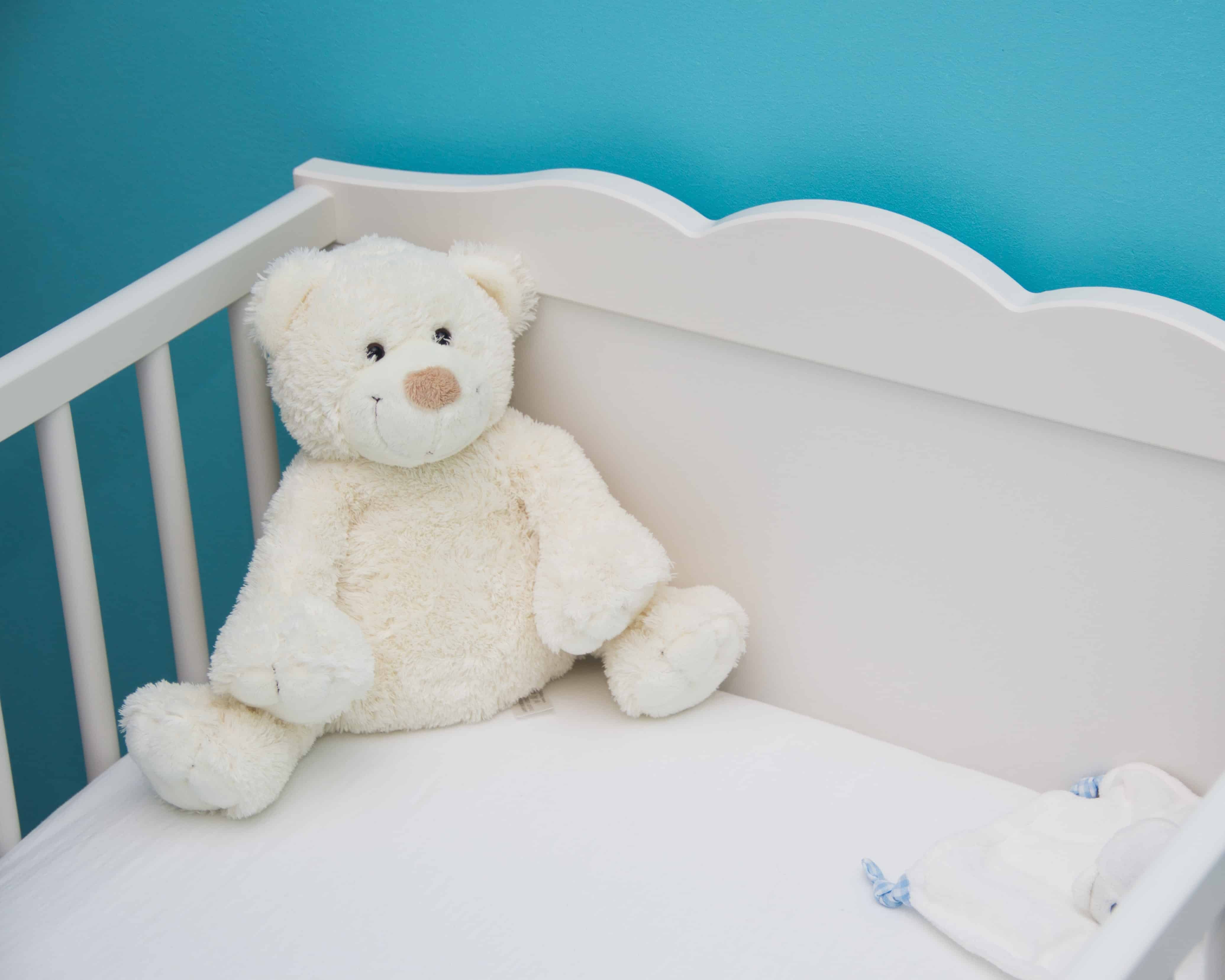 If you're the parent of a newborn baby, you may be wondering when and how to help your baby transition from a bassinet or basket to a crib. Check out these seven hacks to effectively get your baby to transition to crib without too much struggle...